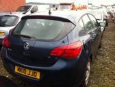 Opel Astra. Vairas dešinėje  darbo laikas: i-v 9:00-17:00