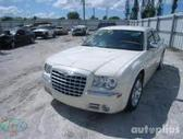 Chrysler 300C dalimis