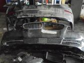 BMW 5 serija. Yra kas notraukoje