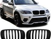 BMW X5. Tuning dalys priekines groteles - juodos arba chrom -