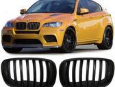 BMW X6. Priekines groteles-juodos matines; chrom-titan.m-