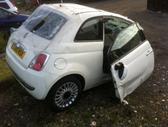 Fiat 500 dalimis. Yra varyklisdeze  salonas