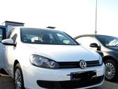 Volkswagen Golf dalimis. Naujas dauztas automobilis  rida