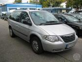 Chrysler Town & Country. Automobilis dalimis