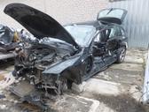 BMW 320. Automobilis dalimis.