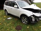 Subaru Forester dalimis. Ryda75000 km