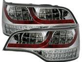 Audi Q7 dalimis. Galiniai led diodiniai žibintai ir numerio ap...