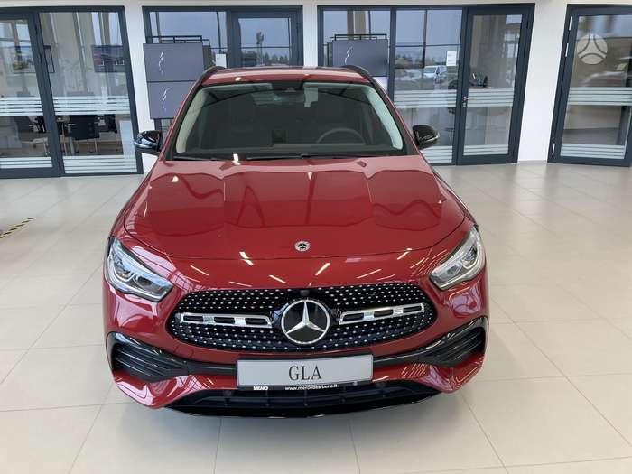 Mercedes-Benz GLA200, 1.3 l., suv / off-road