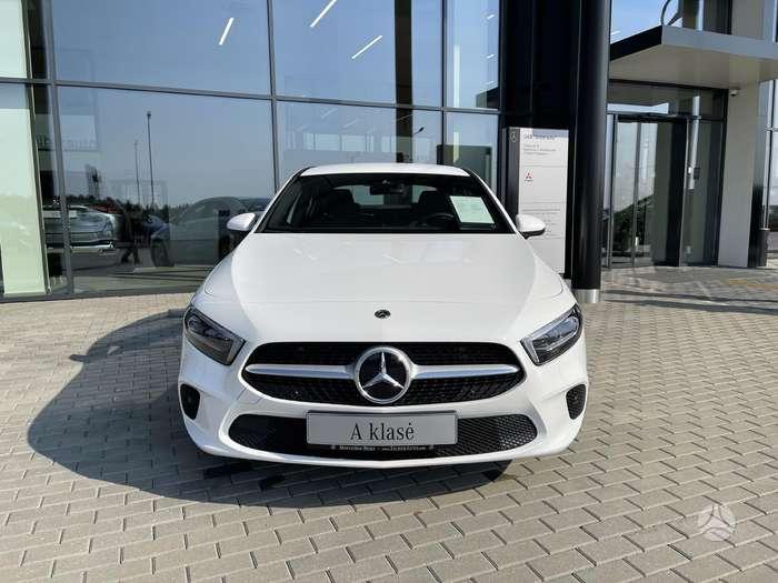 Mercedes-Benz A200, 2.0 l., Седан