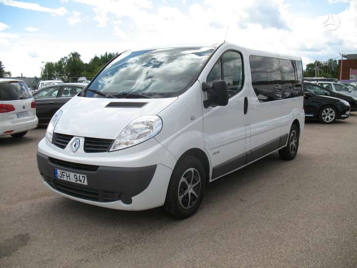 Renault Trafic, keleiviniai mikroautobusai