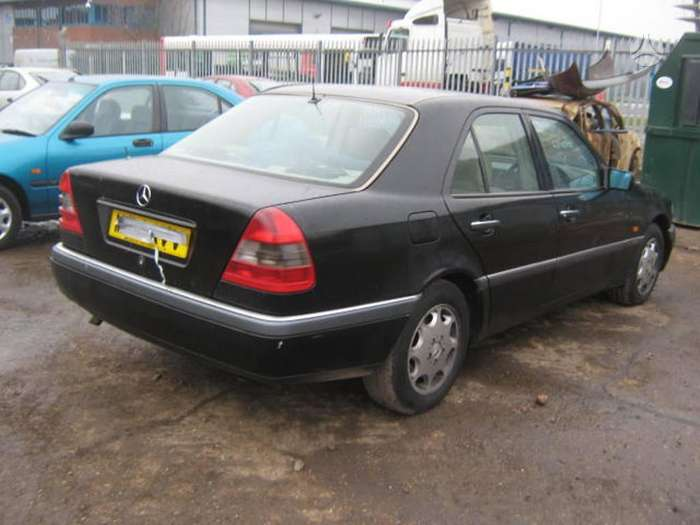 Mercedes-Benz C220. Mb 202 c ,2.2 dyzelis, 5 pavaros elegance,