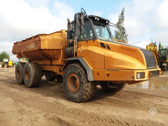 Case 330, dumpers / tippers