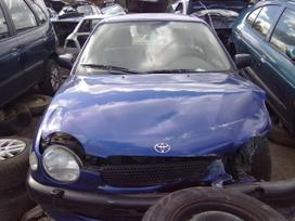 Toyota Corolla dalimis. Superkame defektuotus