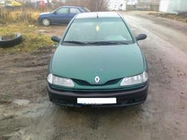 Renault Laguna dalimis. Superkame defektuotus