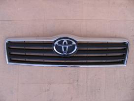 Toyota Avensis apdailos grotelės