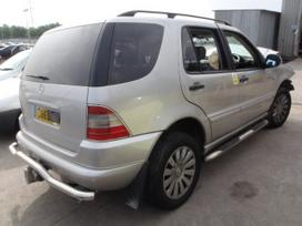 Mercedes-benz Ml320. MB ml 320 2000m.