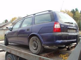 Opel Vectra dalimis. Dalimis opel vectra b
