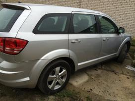Dodge Journey. Automobilis dalimis