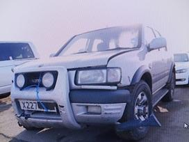 Opel Frontera. Vairas desineje,visa masina