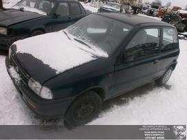 Suzuki Alto dalimis. Automobilis ardomas