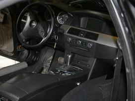Bmw 5 serija. Bmw e60 juodos spalvos vairo