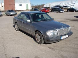 Mercedes-benz 124 dalimis. Taip pat superkame