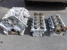 Infiniti Fx45 variklio blokas, variklio galvutė
