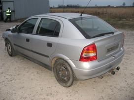Opel Astra dalimis. Ardome ir daugiau įvairių