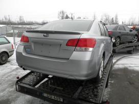 Subaru Legacy. Dalimis is amerikos