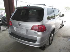 Volkswagen Routan. Ardomas visas automobilis