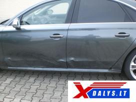 Audi S8 dalimis. W  bene