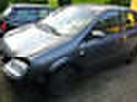 Nissan Almera Tino dalimis