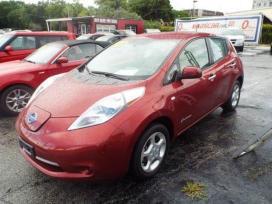 Nissan Leaf. Nissan leaf kėbulo, variklio, važiuoklės, salono