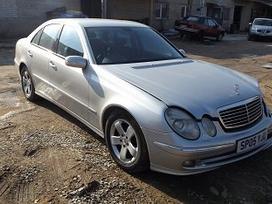 Mercedes-Benz E270 по частям. *turime daugiau ardomų automobilių.