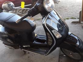 Piaggio Vespa, mopedai / motoroleriai