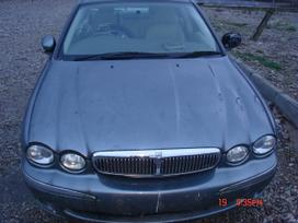 Jaguar X-type. Naudotos automobilių dalys.