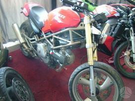 Ducati Monster, street / classic