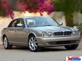 Jaguar Xj8 dalimis. Jau dabar e-parduotuvėje