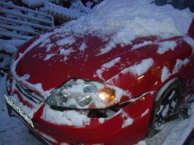 Hyundai Coupe. Dalimis.turime daug įvairių automobilių dalimis.