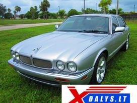 Jaguar Xjr dalimis. Jau dabar e-parduotuvėje