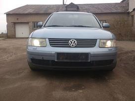Volkswagen Passat dalimis. Odinis (pusiau rekarinis) salonas,
