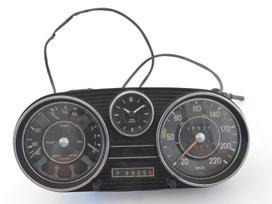 Mercedes-benz 108. Dėl daliu skambinikite