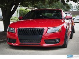 Audi A5. Audi a5 grotelės be ženklo, juodos,
