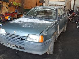 Opel Kadett dalimis. Turime ir daugiau