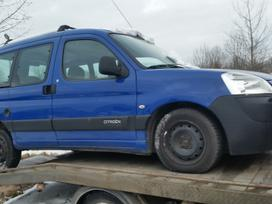 Peugeot Partner dalimis. Turime ivairiu