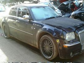 Chrysler 300c dalimis. Autoserviso paslaugos.