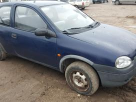 Opel Corsa dalimis. Prekyba originaliomis