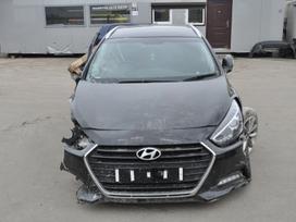 Hyundai i40. Dalimis.