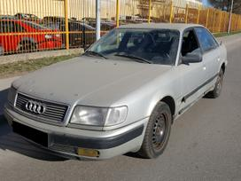 Audi 100 dalimis. Turime ir daugiau įvairių