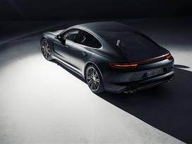Porsche Panamera dalimis. новие оригиналние